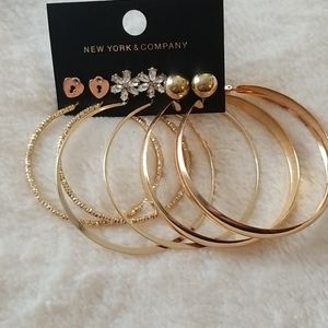 NWT NY & CO HOOP AND STUD EARRING SET